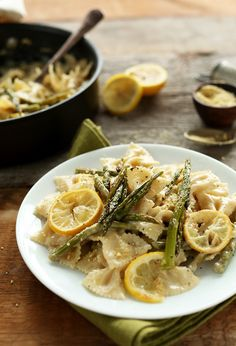 Bowtie pasta in a thick and creamy sauce with lemon-roasted asparagus! My pickiest-eater sister made this for us and it's by far one of the best pasta sauces I've had! Lemon Asparagus, Asparagus Pasta, Lemon Pasta, Veggie Pasta, Healthy Pasta Dishes, Vegetarian Pasta Recipes, Healthy Pastas, Baker Recipes, Real Food Recipes