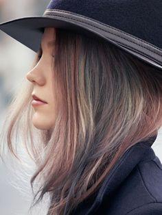 """Jetzt bekommt das Wort """"Haarfarbe"""" eine völlig neue Dimension: Denn die rauchigen Pastelltöne der neuen """"Instamatic""""-Colorations-Linie wirken wie vom Instagram-Filter ins Haar gezaubert."""