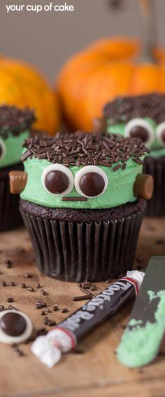 Halloween Cake Pops, Halloween Desserts, Menu Halloween, Halloween Cupcakes Decoration, Halloween Cookies Decorated, Hallowen Food, Halloween Sugar Cookies, Easy Halloween, Decorated Cookies