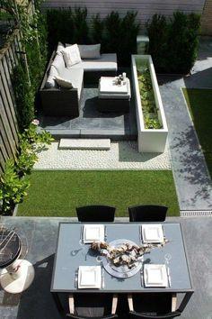 Zona pranzo e area relax - Arredare un giardino piccolo con area relax e zona pranzo.