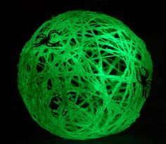 Glow in the Dark Spider Balls How-To