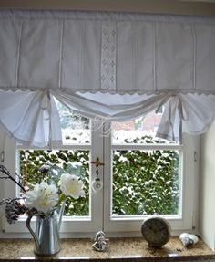 Home Curtains, Valance Curtains, Valances, Unique Window Treatments, Rideaux Design, Shabby Chic, Magical Home, Diy Blinds, Kitchens