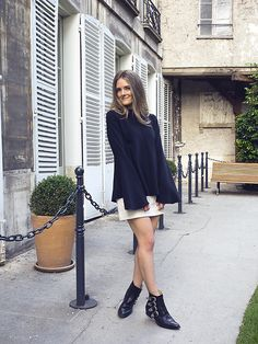 Get this look: http://lb.nu/look/7878256 More looks by Jenelle Witty: http://lb.nu/inspiringwit Items in this look: Ellery Flare Top, Toga Pulla Boots, H&M Mini #artistic #bohemian #chic #flare #ellery #paris #monochrome #togapulla #boots