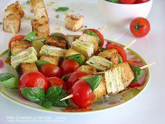 Spiedini vegetariani, sono una preparazione fresca e colorata, ricca di sapore e profumi estivi. Saranno ideali per comporre un buffet freddo o un antipasto