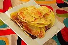 Patatas chips super ligeras al micro Super light french fries (micro wave) Chips. Potatoes In Microwave, Microwave Recipes, Cooking Recipes, Dairy Free Recipes, Vegetarian Recipes, Healthy Recipes, Patatas Chips, Tapas, Love Food
