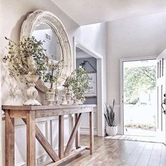 39 Awesome French Home Decoration Ideen Haus Dekoration Sweet Home, Foyer Decorating, Living Room Decorating Ideas, High Ceiling Decorating, Decorating Games, Interior Decorating, Home Living Room, Kitchen Living, Mirrors In Living Room
