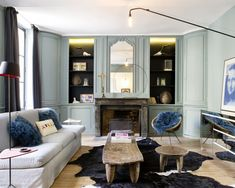 Luxury House Interior Design Tips And Inspiration Mansion Interior, Luxury Homes Interior, Home Interior Design, Interior Decorating, Vogue Living, Living Room Green, Pause, Elle Decor, Interior Inspiration