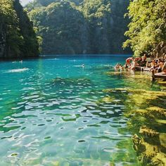 Cleanest lake in asia  #oldphoto #philippines #palawan #coron #the_ph #phil_spots #comeseeph #visitphilippines2015 #hewadpal by aaronarticuno
