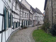 File:20140121 Hattingen Kirchhof.jpg