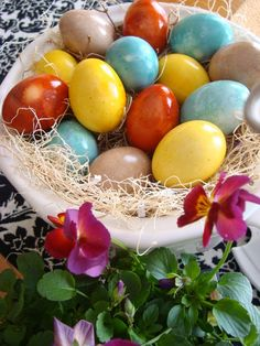 Naturally dyed Easter Eggs - non toxic and gorgeous dyed eggs.