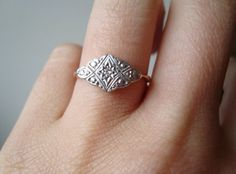 Trendy Diamond Rings : Vintage Diamond Engagement Ring