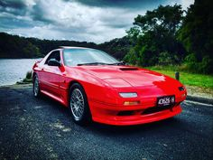 An awesome Virtual Reality pic! Shooting this beautiful #1990 #Mazda #rx7 #turbo #rotary for Shannons Insurance on the outskirts of Mebourne. Single owner since 1990 with only 35000 kms on the engine. Even the brake pads haven't been changed yet!! @mazdaaus @mazdausa @shannonsinsurance #classic #car #red #popupheadlights . . #international #signed #artist #recordlabel #executive #AnR #5050globalmuzik #5050GlobalEDM #VR #virtualreality #producer #singer #songwriter #bobbybeebob #bmg…