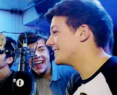 Mutual Respect, Louis And Harry, Larry Stylinson, King Queen, Louis Tomlinson, Harry Styles, Halo, Queens, Angels