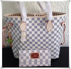 Hot Hot Hot. Neverfull Handbag is so beautiful and fashion ,We love it !Just Take A Look!$235.99 #Neverfull #Style #Purse #louis #vuitton #chanel