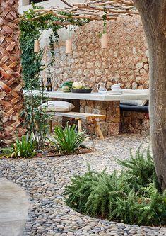 Una preciosa casa de piedra en Sóller chicanddeco Una preciosa casa de piedra en Sóller chicanddecoNouvelle page 2 méditerranéen par italiagiardini méditerranéen - garten am hang anlegen gartenpflanzen blumen.