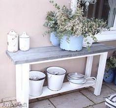 Steigerhouten sidetable op maat gemaakt door AukgAaf! Deze tafel van steigerhout wil je toch hebben! Www.aukgaaf.com