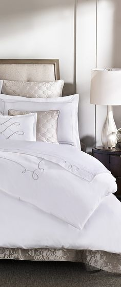 Twin Bedding For Girls Sisters - White Bedding Ideas Colour Schemes - Bedding Master Bedroom Black - Single Bedding Plans - Modern Bedding Videos Floating Bedding Master Bedroom, Home Bedroom, Bedroom Decor, Bedding Decor, Boho Bedding, Where To Buy Bedding, Bedding Inspiration, Simple Bed, Luxury Bedding Sets