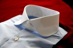 My perfect collar bespoke, by D'Avino Shirts Naples. Club Collar Shirt, Shirt Tie Combo, World Of Fashion, Mens Fashion, Bespoke Shirts, Gentleman's Wardrobe, Only Shirt, Man Weave, Men Formal