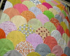 scallop quilt top by sewcraftyjess, via Flickr (UP close detail)
