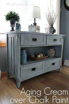 A quick newbie tutorial on how to give a worn look to chalk painted furniture with aging cream.