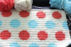 motleymakery:  Tapestry crochet - Polka Dots Blanket: Free Pattern and Tutorial from Little Woolie.