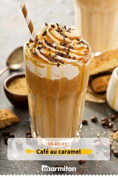 We enjoy this delicious caramel coffee! Alcoholic Desserts, Cocktail Desserts, Dessert Drinks, Dessert Recipes, Cocktails, Caramel Latte, Latte Macchiato, Latte Recipe, Vegetable Drinks