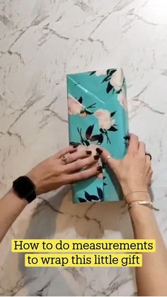 Creative Gift Wrapping, Present Wrapping, Creative Gifts, Japanese Gift Wrapping, Wrapping Ideas, Diy Crafts For Gifts, Diy Home Crafts, Paper Crafts, Christmas Wrapping