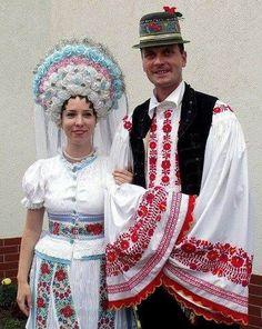 Art Costume, Folk Costume, Costume Dress, Traditional Wedding Attire, Traditional Dresses, Traditional Art, Music Ornaments, Polish Folk Art, Costumes Around The World