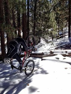 Mountain bike about to need in the snow. - So Funny Epic Fails Pictures Mtb Training, Bikes Direct, Push Bikes, Fat Bike, Epic Fail Pictures, Bike Style, Bike Trails, Guys Be Like, Mountain Biking