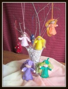 flower-fairies-flying...free tutorial and pattern!