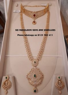 Gold Jewelry With Price Jewelry Design Earrings, Gold Earrings Designs, Gold Jewellery Design, Necklace Designs, Dubai Gold Jewelry, Pendant Jewelry, Jewelry Necklaces, Indian Jewelry Sets, Bridal Jewelry Sets