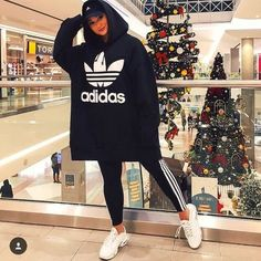hijab sport Sporty hijab with adidas sweatshirts – Just Trendy Girls Hijab Outfit, Modest Dresses, Modest Outfits, Muslim Fashion, Hijab Fashion, Sporty Outfits, Cute Outfits, Sports Hijab, Hijab Stile
