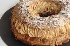 Entremets Archives - Page 2 sur 2 - Olivia Pâtisse French Dishes, French Desserts, Food For Eyes, Vegetarian Sweets, Choux Pastry, My Dessert, Eclairs, Macaron, Plated Desserts