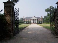 Main House at Boone Hall Plantation - Boone Hall – Wikipedia