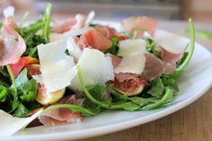 Μια σαλάτα με πρωταγωνιστή το αγαπημένο σου καλοκαιρινό φρούτο σε περιμένει - http://ipop.gr/sintages/salates/mia-salata-protagonisti-agapimeno-sou-kalokerino-frouto-se-perimeni/