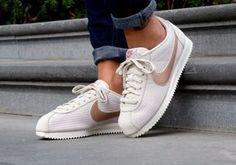 Nike Classic Cortez Lux Womens Trainers in Bone White 604081e2ceb
