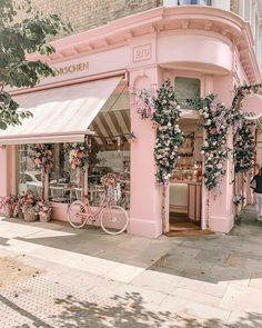Cafe Interior Design, Boutique Interior, Cafe Design, Bakery Shop Design, Coffee Shop Design, Aesthetic Backgrounds, Aesthetic Iphone Wallpaper, Aesthetic Wallpapers, Photo Wall Collage