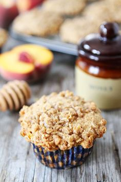 Honey Peach Muffins with Oat Streusel Topping (via Bloglovin.com )