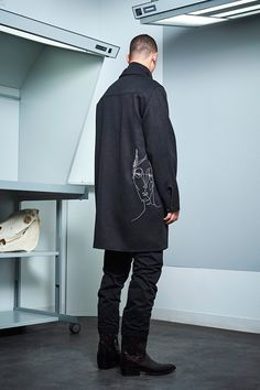 Siki Im presented its Fall/Winter 2017 collection during New York Fashion Week Men's. Sustainable Looks, Cool Mustaches, Urban Fashion, Mens Fashion, Dandy Style, Urban Cowboy, Student Fashion, Winter Collection, New York Fashion