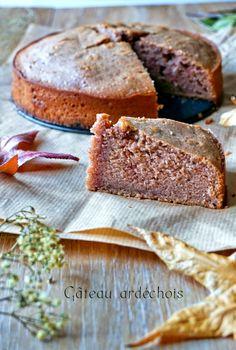 Un gâteau ardéchois à la crème de marron d'un moelleux incroyable et pas trop sucré, j'y ai veillé! N'hésitez plus, un goûter bien de saison