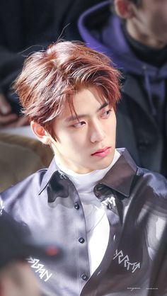 Jung Jaehyun the most feared mafia boss tricks the great detective Lee Taeyong thinking that he is an innocent citizen who demands justice. Taeyong, Jaehyun Nct, Winwin, Nct 127, K Pop, Grupo Nct, Johnny Seo, Mark Nct, Jung Yoon