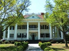 """Twelve Oaks Bed and Breakfast Covington Ga- I cant wait to stay here and tour around """"mystic falls""""   =)   <3"""