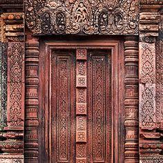 Carvings of Banteay Srei, IV