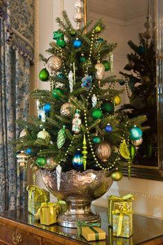 Mini tree & presents
