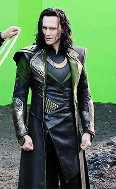 Tom Hiddleston behind the scenes as Loki over green screen for Thor 2 gif