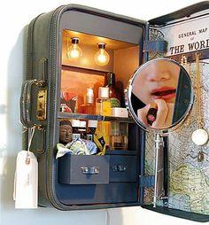 Ideas for Old Suitcase Vintage Luggage, Projects for Vintage Suitcases & Ideas for Home Garden Bedroom Kitchen . Vintage Suitcases, Vintage Luggage, Remodeled Campers, Vintage Trailers, Vintage Caravans, Vintage Campers, Vanity Cabinet, Vintage Diy, Vintage Market