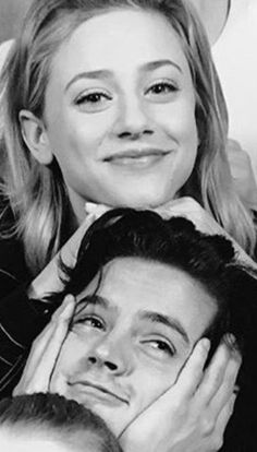 Cole sprouse funny, betty and jughead, madelaine petsch, riverdale cw, riverdale memes Riverdale Netflix, Watch Riverdale, Riverdale Funny, Bughead Riverdale, Riverdale Archie, Riverdale Memes, Cole M Sprouse, Cole Sprouse Funny, Cole Sprouse Jughead