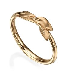 Leaves Ring, Leaves Wedding Ring, Dainty Leaves Ring, Rose Gold Leaf Ring, Rose Gold wedding ring, leaf ring, leaf wedding band A handmade 18K Rose gold ring showing delicate leaves on top. The leaves are delicate but very strong and durable. The ring combines satin and shiny