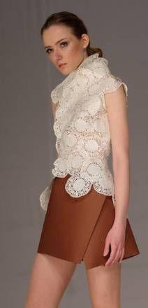 Se il vestito e' tutto di carta riciclata - Photostory Spettacolo - ANSA.it