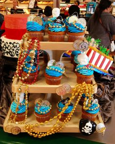Gasparilla pirate cupcakes Pirate Fairy Party, Pirate Birthday, Princess Birthday, 10th Birthday, Pirate Food, Pirate Day, Pirate Cupcake, Pirate Cakes, Themed Parties